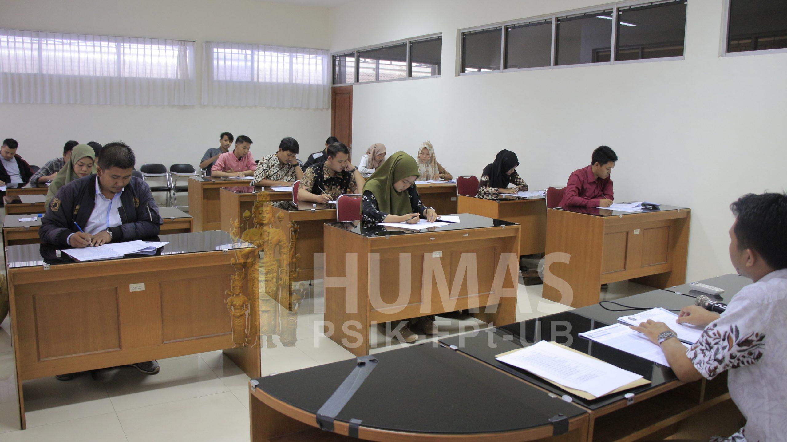 Calon Mahasiswa Baru Program Pascasarjana Fapet UB Tempuh Ujian Seleksi