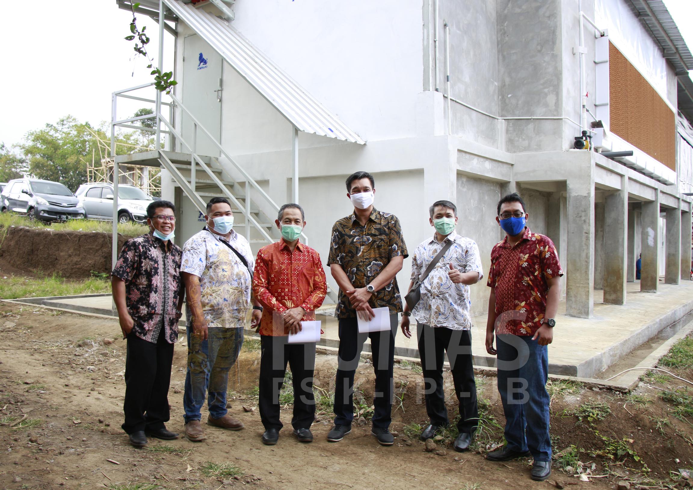 Tinjau Pembangunan Kandang Closed House Tim CPI Kunjungi Fapet UB